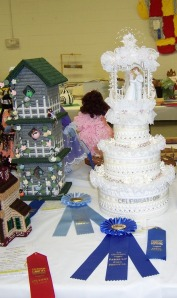 Keepsake Wedding Cake and Birdy Condo